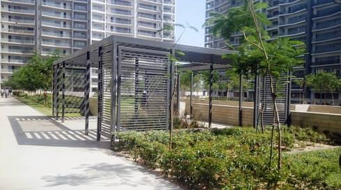 The trellis: modern Garden by NMP Design