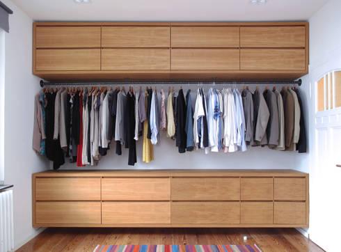 schwebender kleiderschrank aus eiche von nadja bach m bel mehr homify. Black Bedroom Furniture Sets. Home Design Ideas