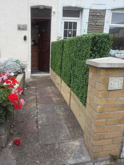 Artificial Hedges For Barrier Divider:  Garden  by Sunwing Industrial Co., Ltd.