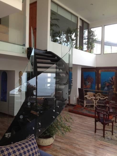 Proyecto residencial Reñaca V Region: Casas unifamiliares de estilo  por ALLEGRE ARQUITECTOS