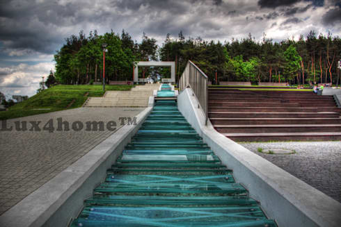 Front yard by Lux4home™ Indonesia