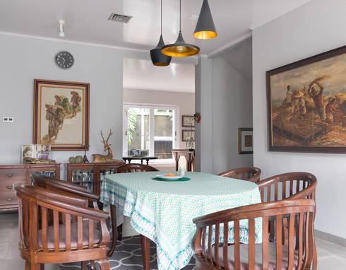 Dining Area // i45 House:  Ruang Makan by Lukemala Creative Studio