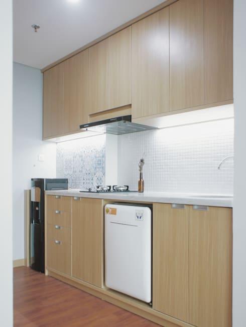 WPK Apartment:  Dapur built in by byatelier