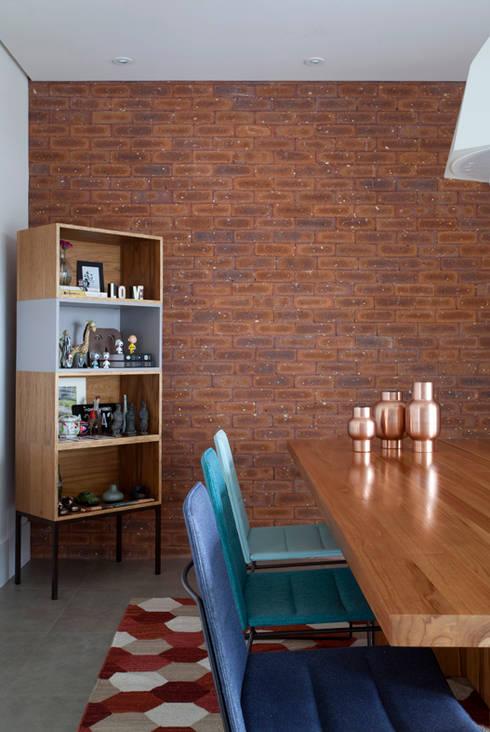 PROJETO RESIDENCIAL PGF: Salas de jantar modernas por RP Estúdio - Roberta Polito e Luiz Gustavo Campos