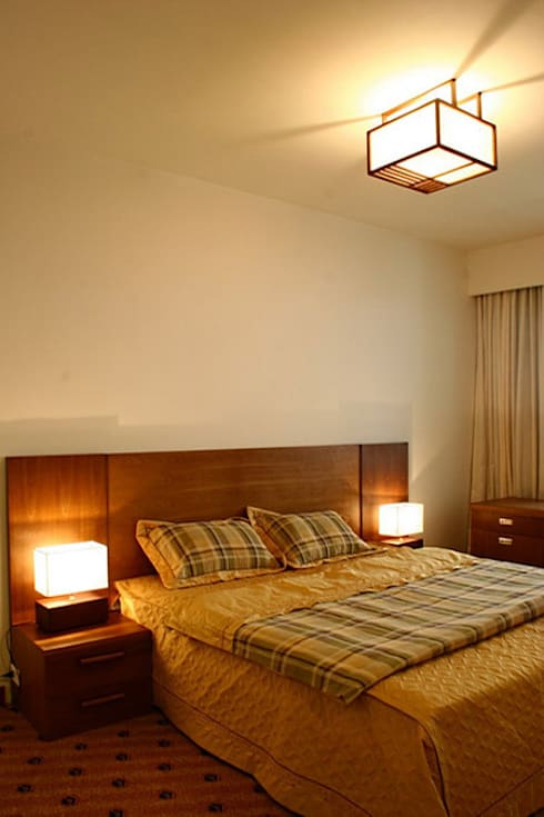 Toàn bộ không gian phòng ngủ đều được bố trí cửa sổ lớn.:  Phòng ngủ by Công ty TNHH Thiết Kế Xây Dựng Song Phát