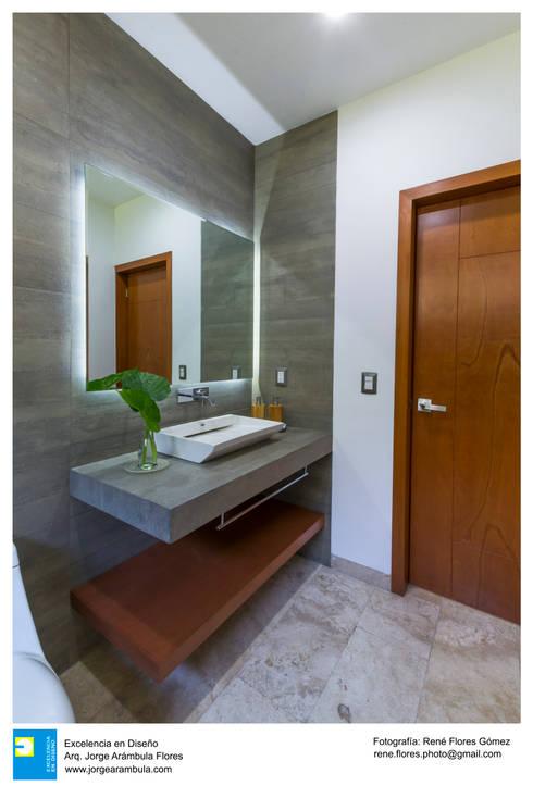 Badezimmer von René Flores Photography