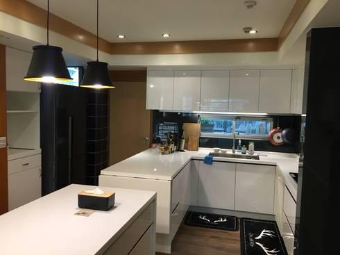 廚具及中島設計案:  廚房 by 捷士空間設計