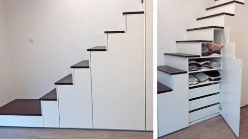 Dieser Treppenunterschrank bietet den perfekten Stauraum:  Treppe von Schreinerei & Innenausbau Fuchslocher