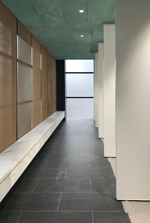 Gallery Hallway:  Museums by Nomad Office Architects 覓 見 建 築 設 計 工 作 室