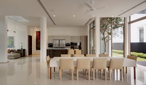 4 Connecting Voids House at 21 Jalan Mariam : modern Living room by Lim Ai Tiong (LATO) Architects
