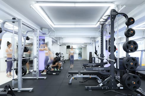 Gym workout area:  Commercial Spaces by Nomad Office Architects 覓 見 建 築 設 計 工 作 室