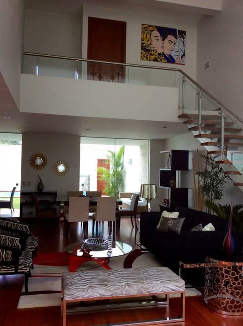 Doble Altura - Sala: Salas / recibidores de estilo  por EPG  Studio