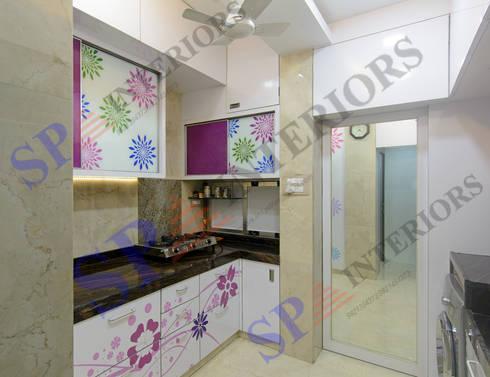 Mr.Ritesh: modern Kitchen by SP INTERIORS