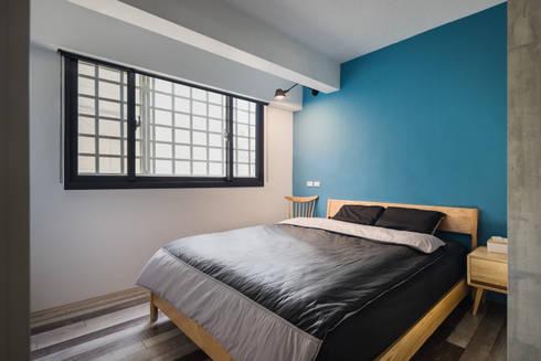 新竹自強路 黎公館:  臥室 by 築室室內設計