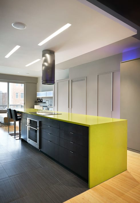 Klub Kitchen—Lenny's Place: modern Kitchen by KUBE Architecture