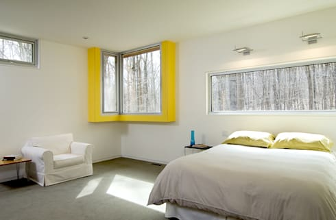 Forest House: modern Bedroom by KUBE Architecture