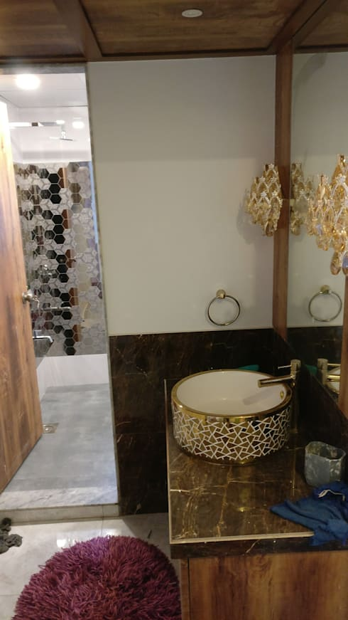 Powder Room in Mystique Moods, Viman Nagar, Pune:  Corridor & hallway by Umbrella Tree Designs