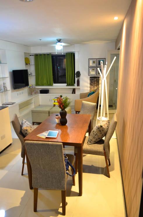 Mr. C Residence:   by TWINE Interior Design Studio