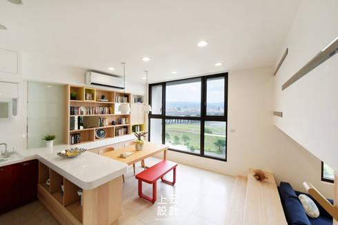 14坪錯層-清爽活潑親子宅:  廚房 by 上云空間設計