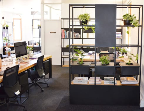 Office Interior renovation:  Office spaces & stores  by ILTORO DESIGN