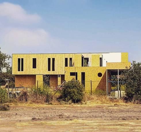 Casa Los Maitenes de Liray (Chicureo): Casas de estilo moderno por Incubar: Arquitectura & Construcción
