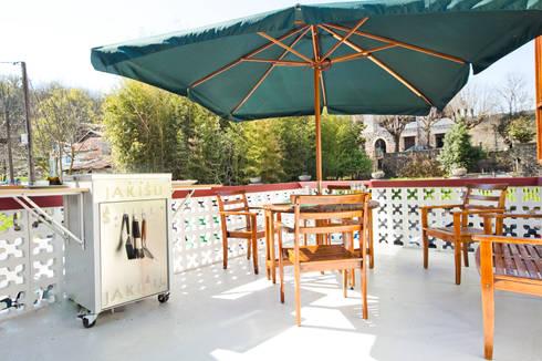 Terraza Jorge: Jardín de estilo  de Jakisu