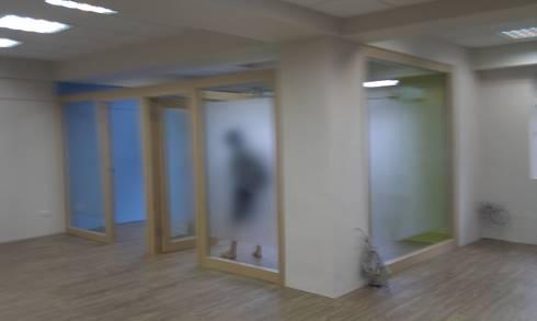 好時光公司:  辦公大樓 by Joy Full Interior Designer 佐輔室內裝修
