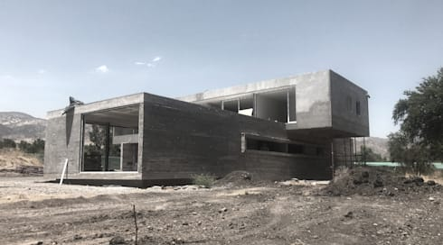 Casa MF - Alto de Chicureo: Casas unifamiliares de estilo  por proyecto arquitek