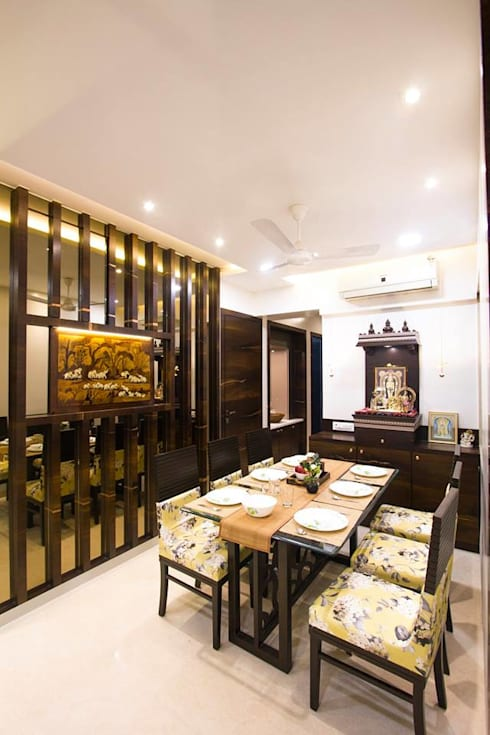 DR.VENKATESH AND DR.MADHUSHREE:  Dining room by PSQUAREDESIGNS