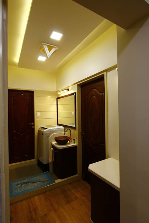 Dr.ramesh/Bhavna Bhanushali :  Bathroom by PSQUAREDESIGNS