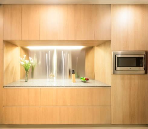 COUPLE  KITCHEN: Muebles de cocinas de estilo  por Chetecortes