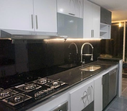 cocina integral, Rosales Bogotá.: Cocinas integrales de estilo  por Omar Plazas Empresa de  Diseño Interior, remodelacion, Cocinas integrales, Decoración