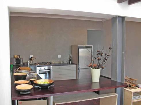 open plan kitchen: asian Kitchen by Till Manecke:Architect
