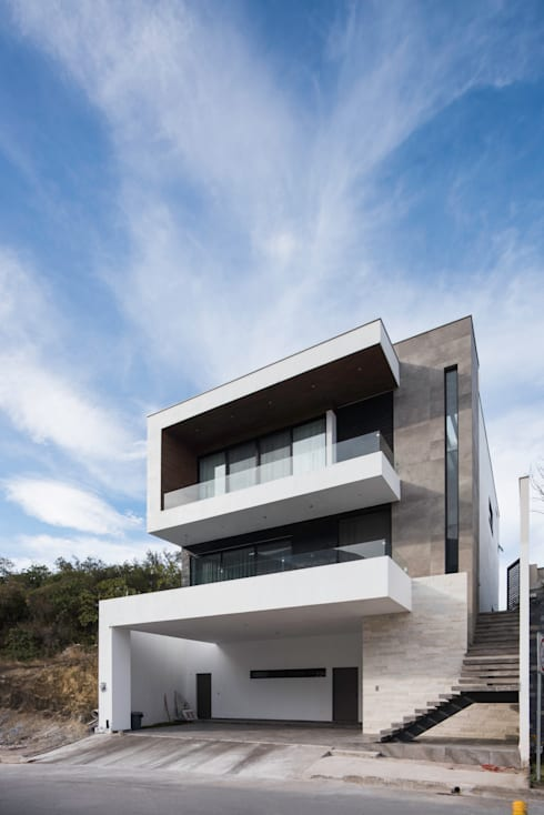 CASA EC: Casas unifamiliares de estilo  por Nova Arquitectura