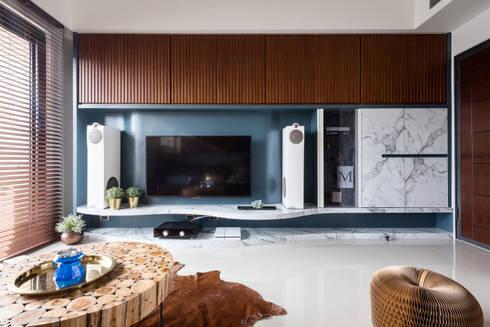 asian Living room by DYD INTERIOR大漾帝國際室內裝修有限公司