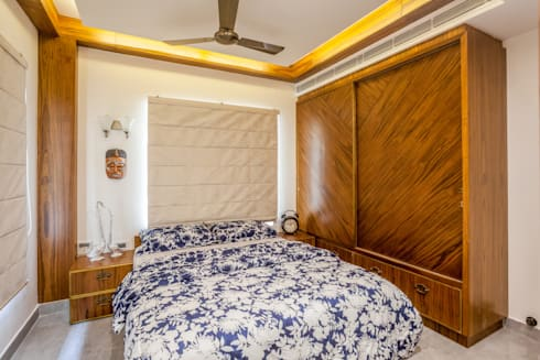 The mural apartment: tropical Bedroom by S Squared Architects Pvt Ltd