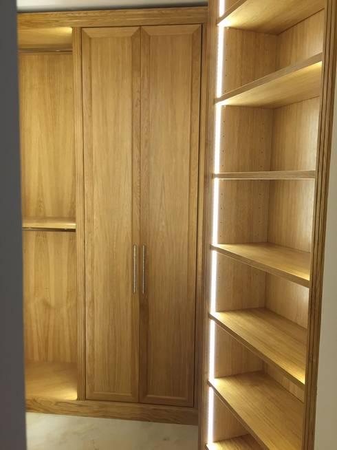 Bedroom by Falegnameria su misura