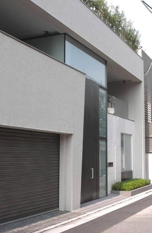 高輪台 建築家志望だった施主と協働して理想の住まいづくり House in Urban Setting 01: JWA,Jun Watanabe & Associatesが手掛けた家です。