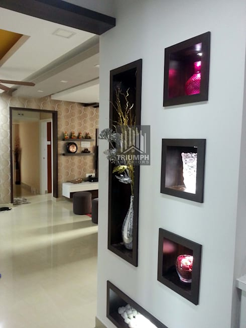 Display unit in Living area: classic Living room by TRIUMPH INTERIORS