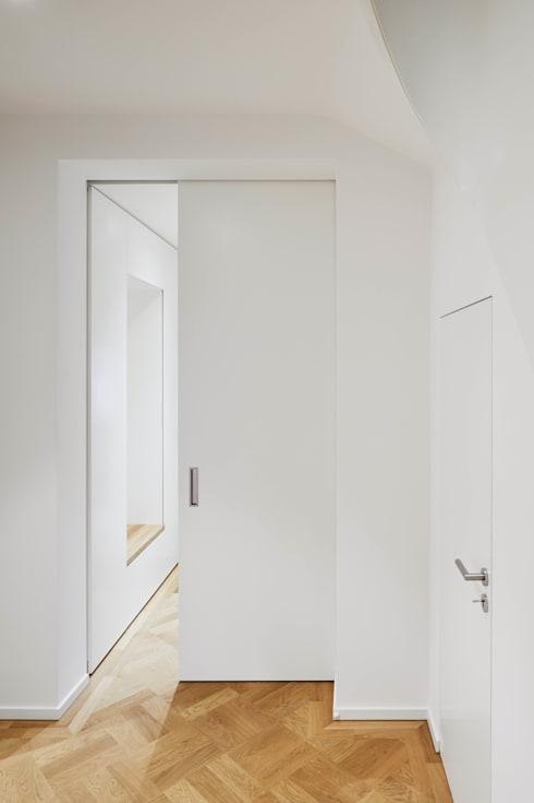 Diele / Garderobe:  Flur & Diele von BENJAMIN VON PIDOLL I ARCHITEKTUR