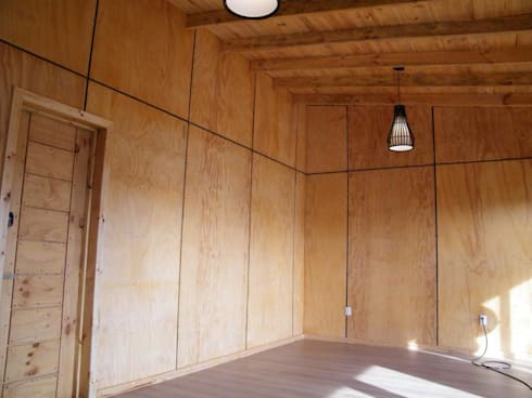 4 16 HOUSE: Livings de estilo moderno por Manuel Herrera