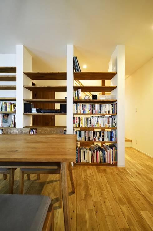 ワクワクする本棚が主役!: 株式会社スタイル工房が手掛けたです。
