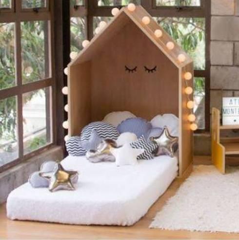 Cama montessori: Dormitorios infantiles  de estilo  por Montessori Room