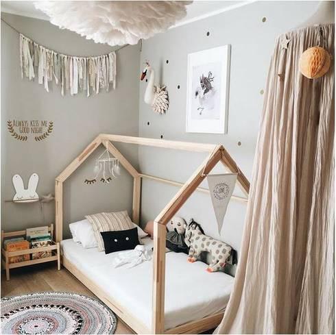 FABRICAMOS MUEBLES MONTESSORI E NFANTILES : Dormitorios infantiles  de estilo  por Montessori Room