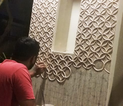 Indian Traditional  Mud Mirror Work Frame For Home done by  Inside Out Interior Ahmadabad Gujarat:  Walls & flooring by Inside Out Interior
