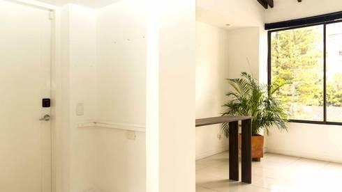 Entrada sin Home Staging:  de estilo  por homeblizz