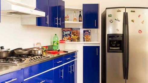 Cocina sin Home Staging:  de estilo  por homeblizz