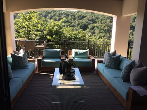 Zimbali Decorating:  Balconies, verandas & terraces  by Just Interior Design