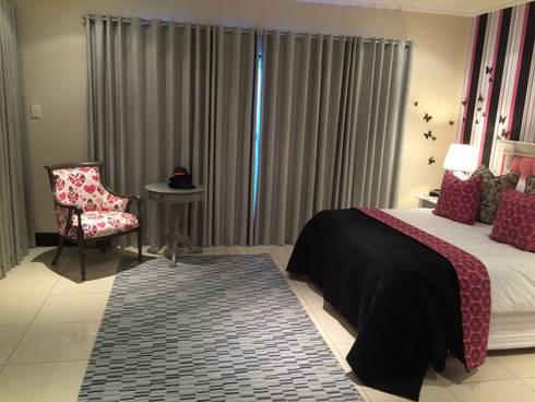 Zimbali Decorating:  Bedroom by Just Interior Design