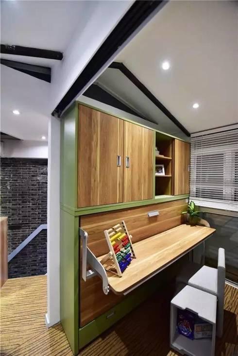 Nội thất thông minh mang lại sự rộng rãi tối đa cho không gian.:  Phòng ngủ by Công ty TNHH Thiết Kế Xây Dựng Song Phát